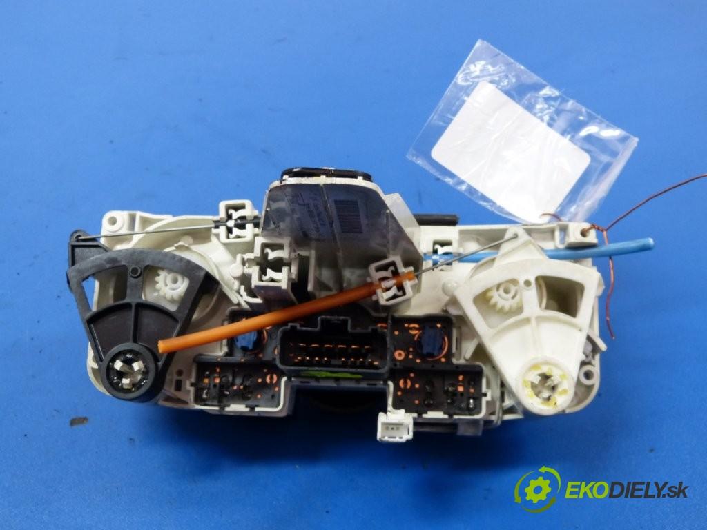 -  Nissan Micra K12       0