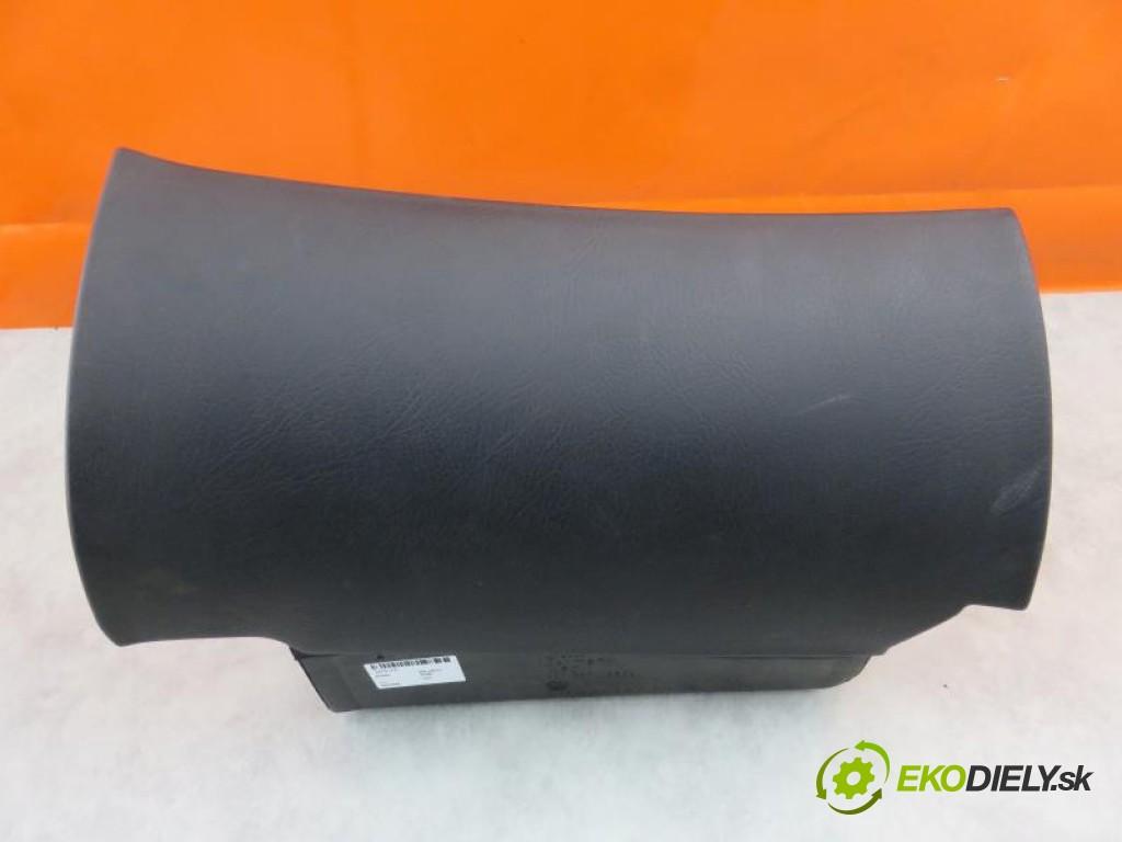 priehradka, kastlík 4D1857095L AUDI A8 (4D2, 4D8) 3.7 AEW automatic 0 5 169,00000000 230