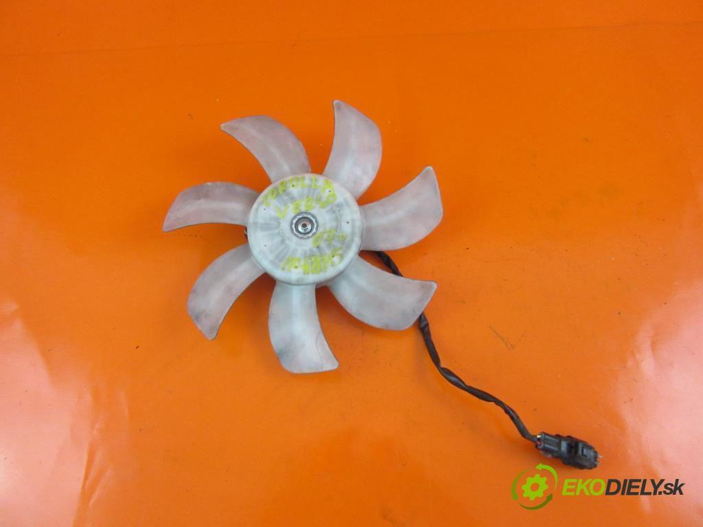 ventilátor chladič vody  TOYOTA COROLLA Verso II 2.2 D-4D 2AD-FTV  0 0 100,00000000 136 5
