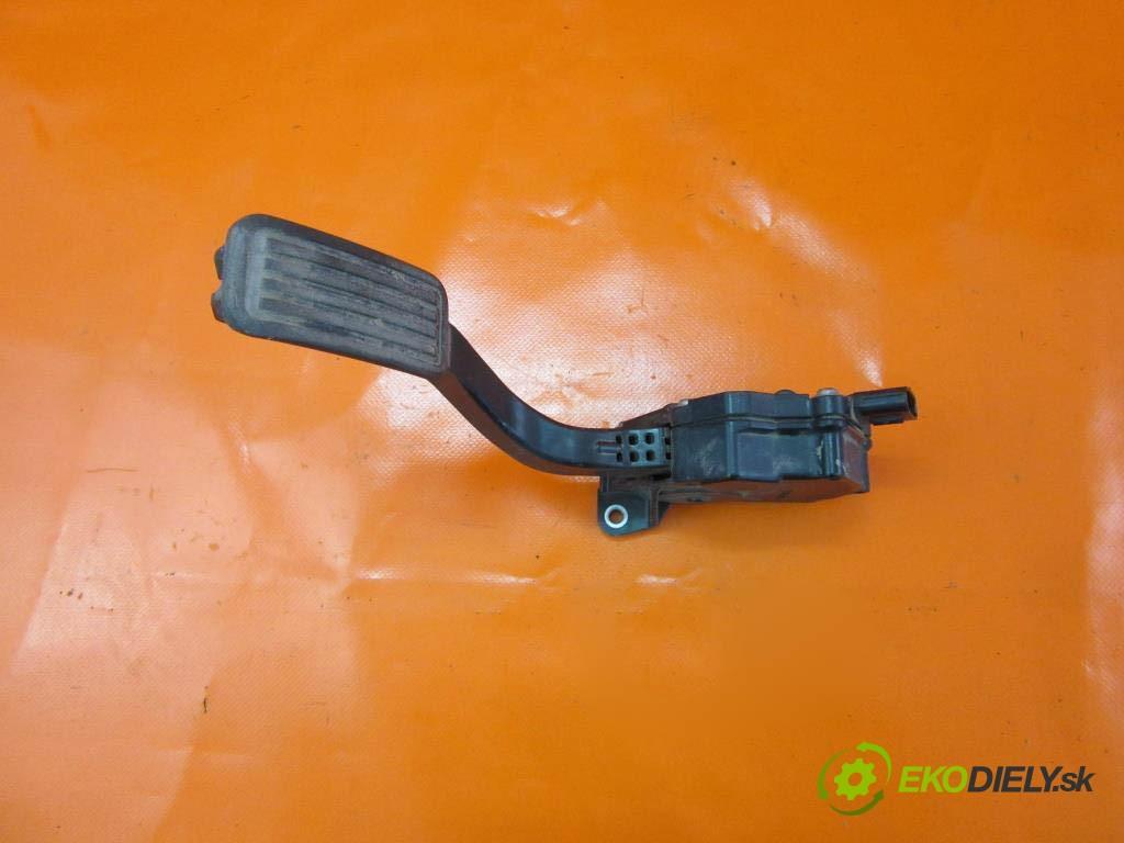 potenciometer plynového pedálu 7811052020 TOYOTA YARIS II 1.0 VVT-I 1KR-FE  0 0 51,00000000 69 5