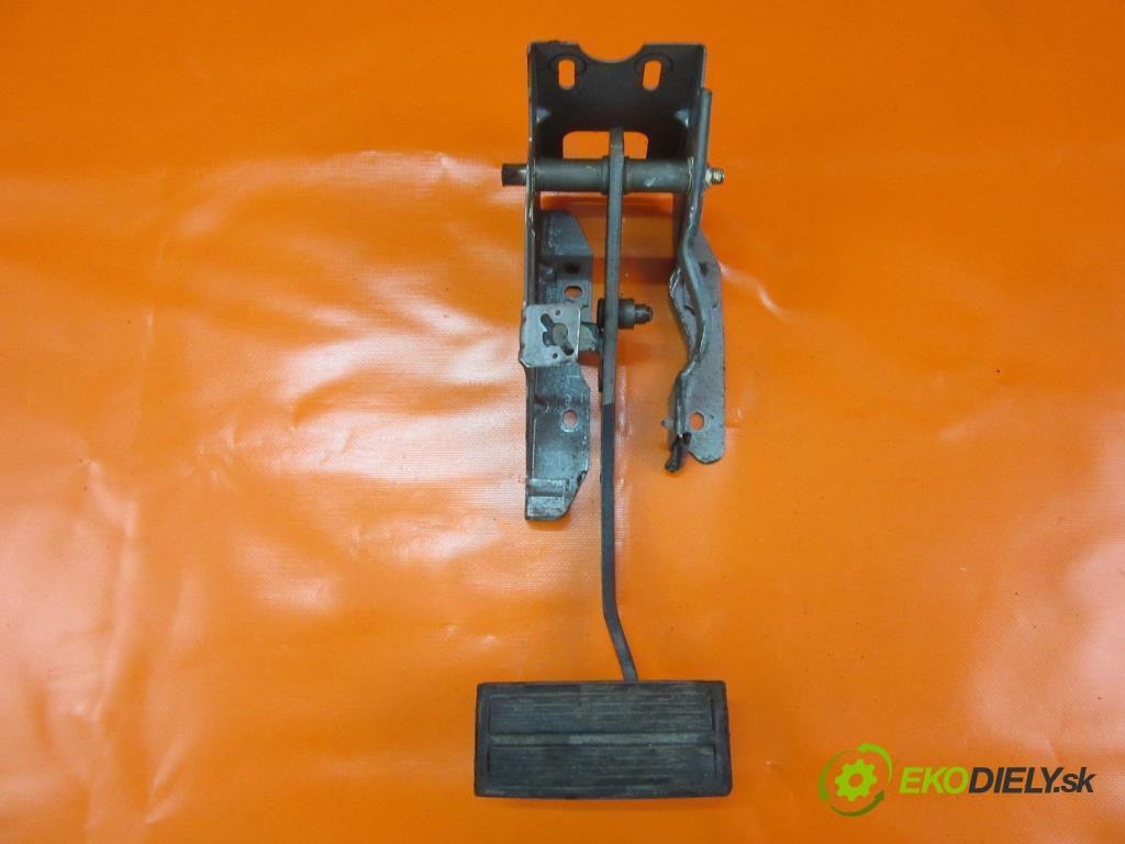 pedal brzdy  CHRYSLER VOYAGER IV (RG) 2.8 CRD ENR  0 0 110,00000000 150 5