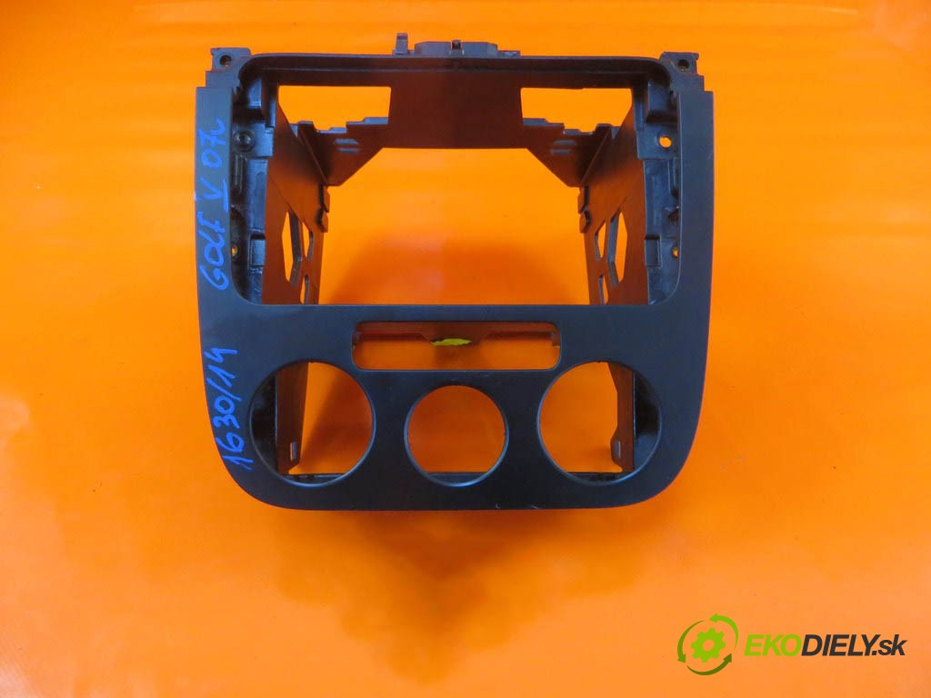rámček radia 1K0850005D VW GOLF V 2.0 TDI BMM  0 0 103,00000000 140 5