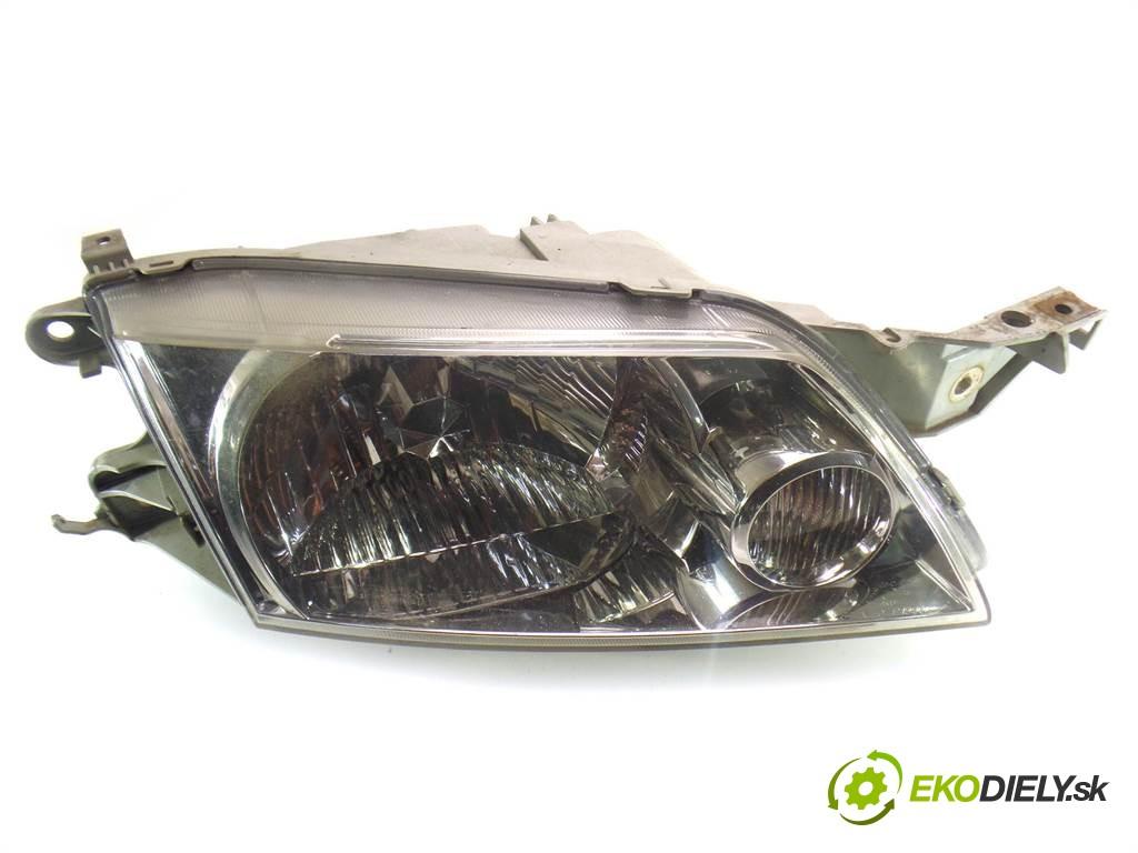 svetlo pravy  Mazda Premacy       0