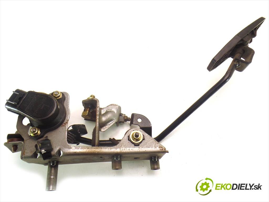 potenciometer plynového pedálu  Mazda 323F BJ LIFT       0