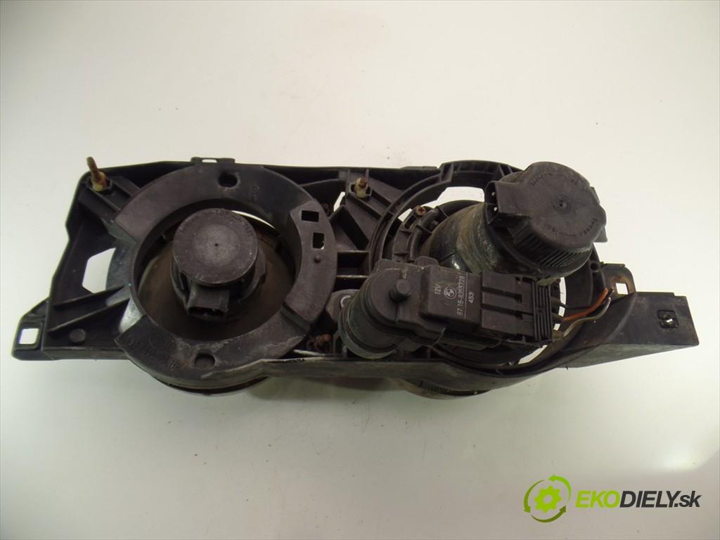 svetlo pravy  BMW 7 E32       0