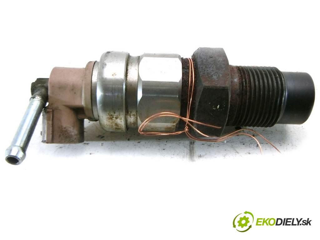 regulátor tlaku paliva  Toyota Corolla Verso II       0