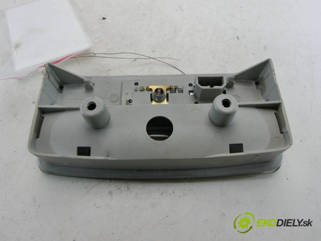 svetlo svetlo  Volkswagen Polo IV 9N LIFT       0