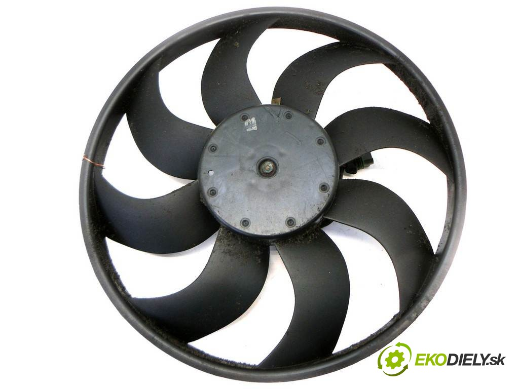 ventilátor chladiča 3M51-8C607-E Ford Focus II       0