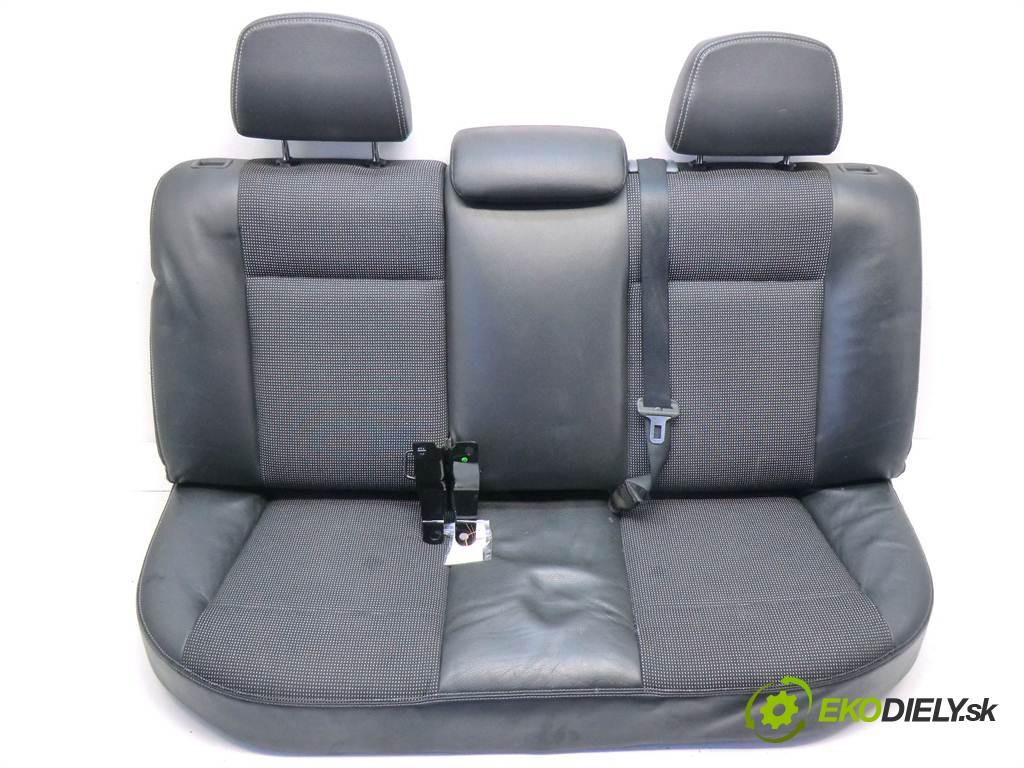 sedadlo zad  Opel Astra H       0