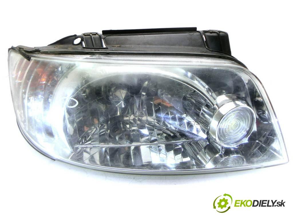 svetlo pravy  Hyundai Matrix       0