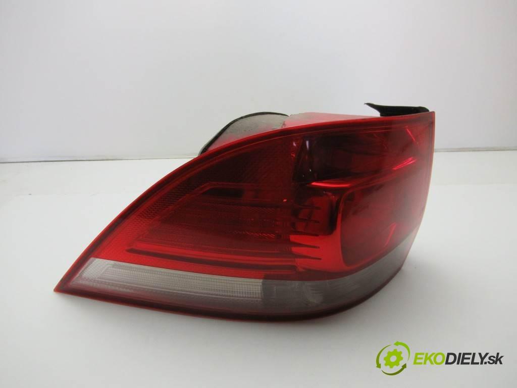 světlo zadní část levá strana  Volkswagen Golf V       0