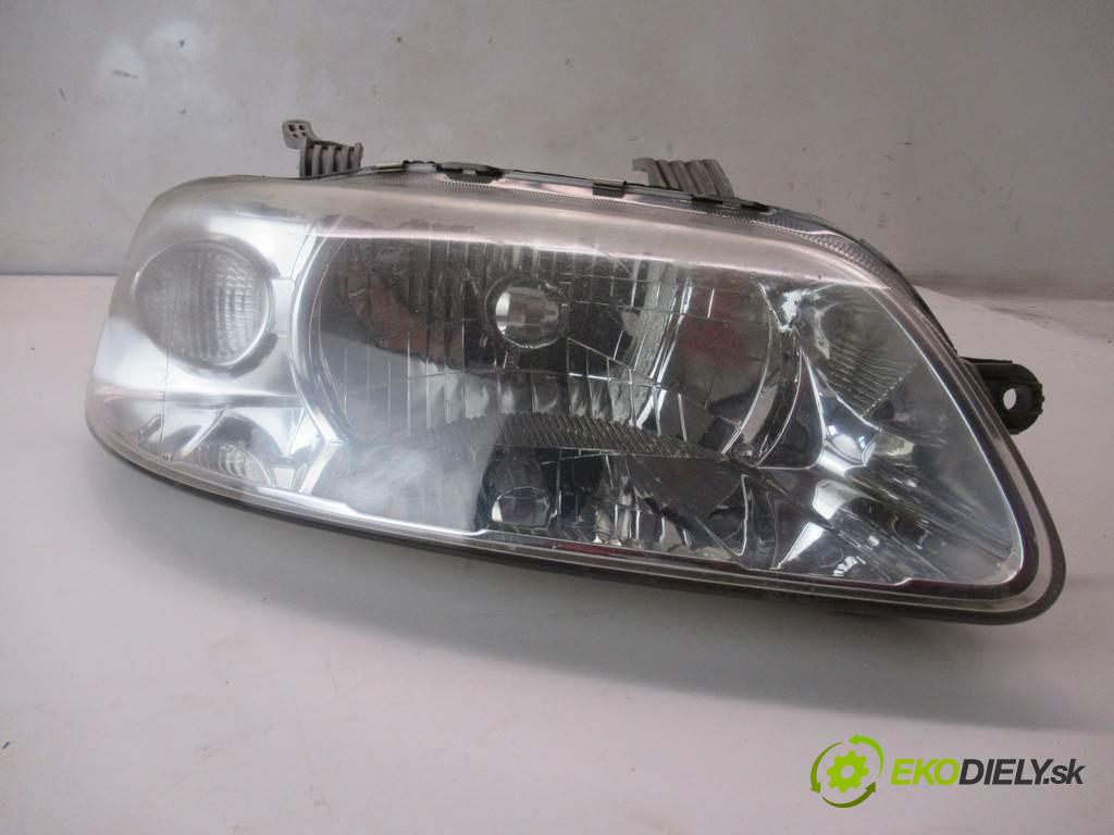 Chevrolet Aveo       0  svetlo pravy