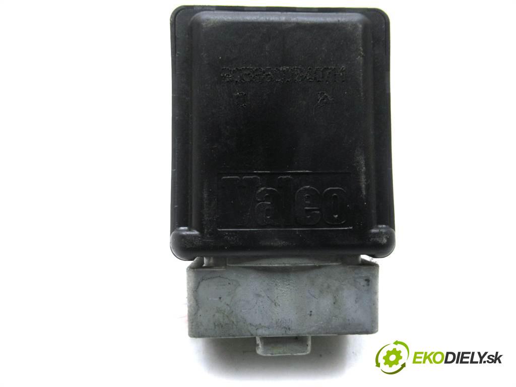 Renault Espace IV LIFT       0  blokáda volantu 8200604932
