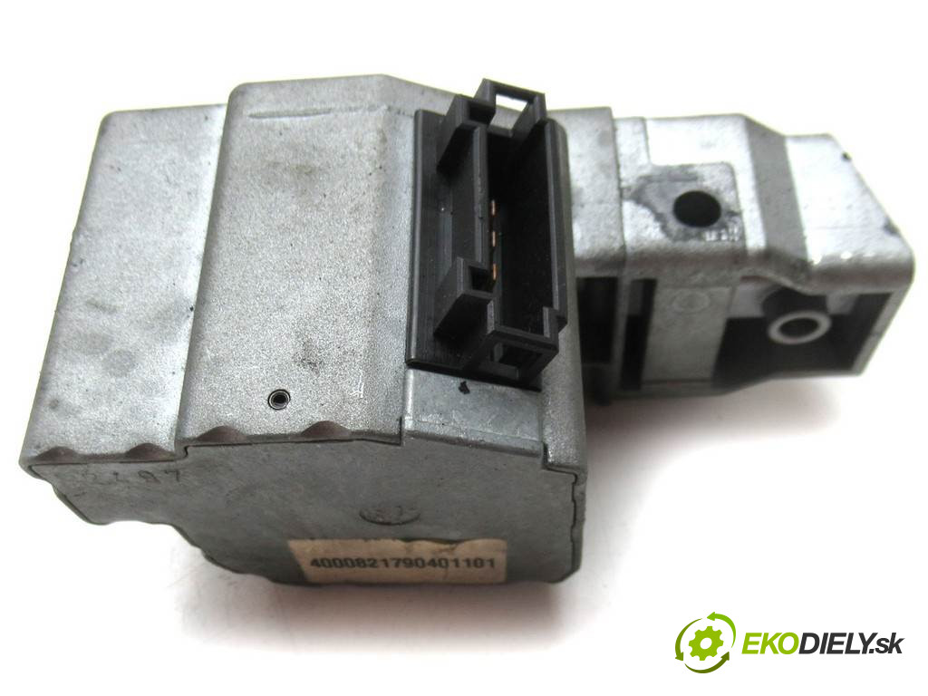 Mercedes-Benz C W202       0  elektrická blokáda volantu