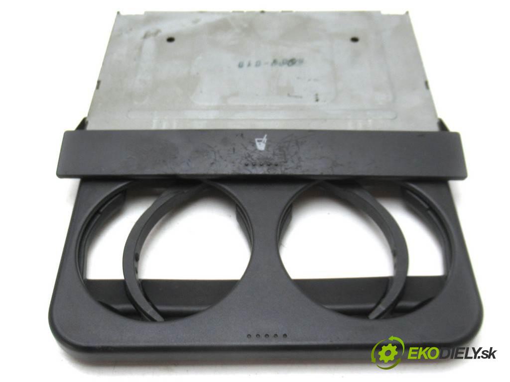Volkswagen Golf IV       0  držiak na nápoje 1J0858601